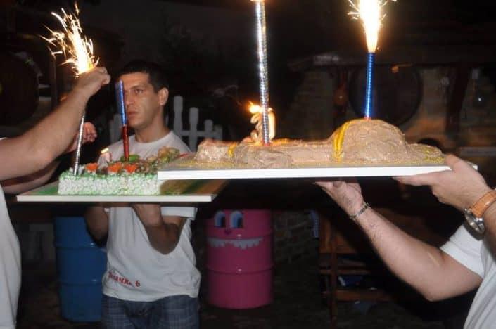 Osoblje sa tortama zar mance kisacka 6